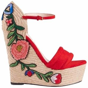 $810 NIB GUCCI APPLIQUE FLORAL EMBROIDERED ESPADRI